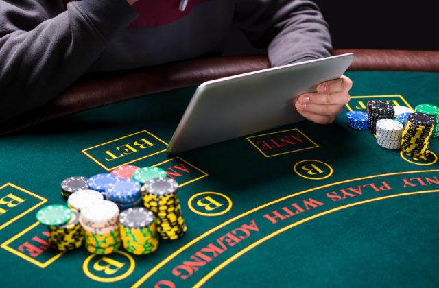 Игры онлайн казино елена сколько стоит вход в казино